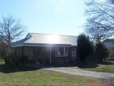 929 NICHOLS ST, Pulaski, TN 38478 - Photo 2