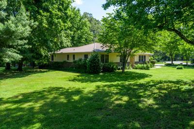 424 OAK CIR, Winchester, TN 37398 - Photo 1