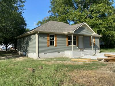 408 DAVIS RD, Tullahoma, TN 37388 - Photo 2