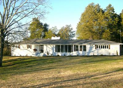 1806 HILLWOOD DR, FAYETTEVILLE, TN 37334 - Photo 1