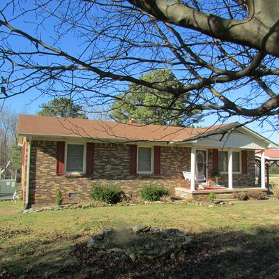 1061 W POINT RD, Lawrenceburg, TN 38464 - Photo 1