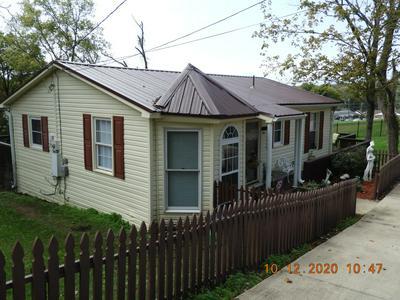 527 E GRIGSBY ST, Pulaski, TN 38478 - Photo 2