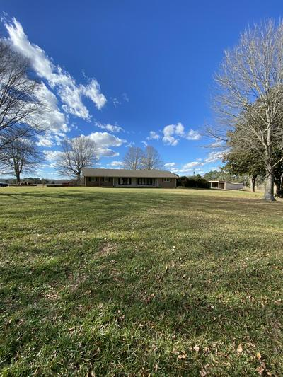 217 WESTSIDE RD, Lawrenceburg, TN 38464 - Photo 2