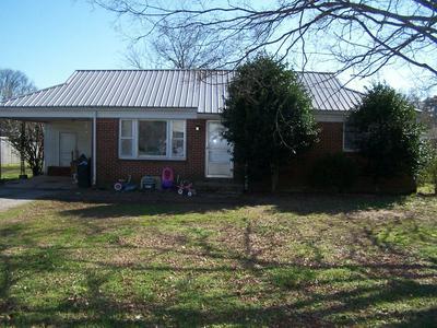 929 NICHOLS ST, Pulaski, TN 38478 - Photo 1