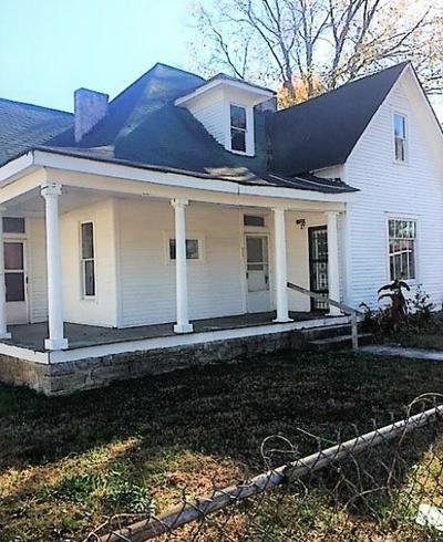 604 HEDGEMONT AVE, Fayetteville, TN 37334 - Photo 2
