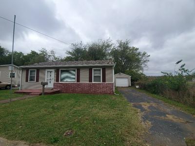 165 N KENTUCKY AVE, HOPKINSVILLE, KY 42240 - Photo 2
