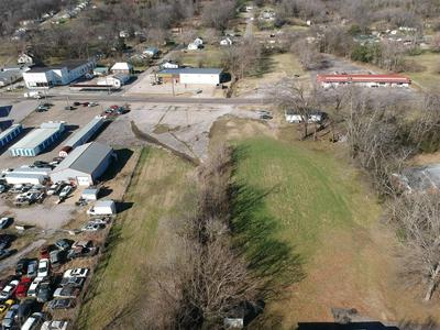 909 N 1ST ST, Pulaski, TN 38478 - Photo 2