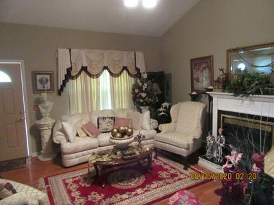 266 WOODS EDGE RD, Winchester, TN 37398 - Photo 2