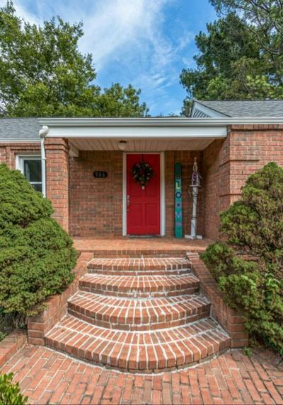 906 GRANTLAND AVE, Murfreesboro, TN 37129 - Photo 2