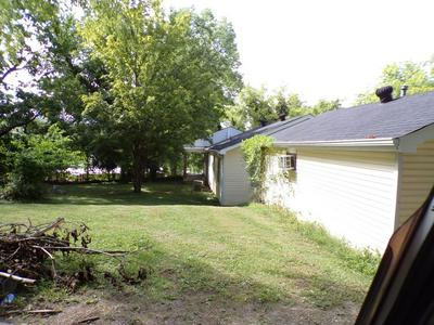 725 W MADISON ST, Pulaski, TN 38478 - Photo 2