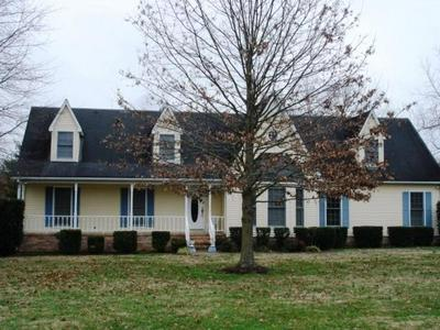 100 NORTHWOOD AVE, Shelbyville, TN 37160 - Photo 1