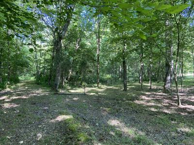 512 SLIPPERY RD, Hohenwald, TN 38462 - Photo 1