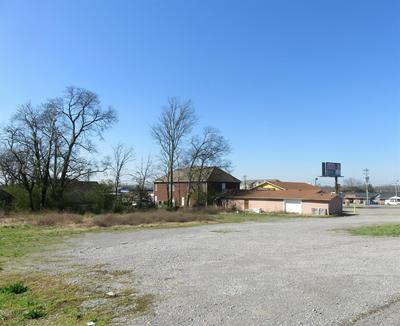 1310 N MAIN ST, Shelbyville, TN 37160 - Photo 2