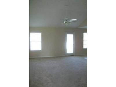 832 KANATAK LN, Murfreesboro, TN 37128 - Photo 2
