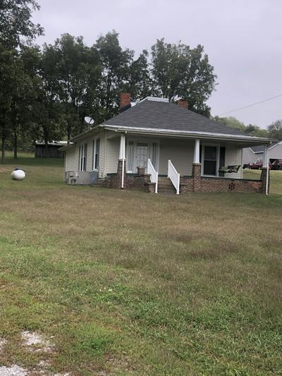350 OLD CAMPBELLSVILLE RD, Pulaski, TN 38478 - Photo 2