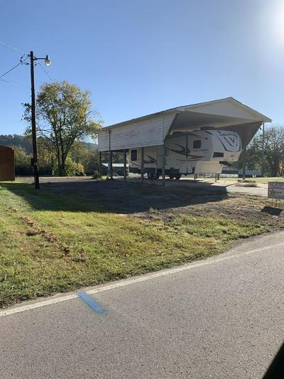 1467 CHAPMANSBORO RD, Chapmansboro, TN 37035 - Photo 2