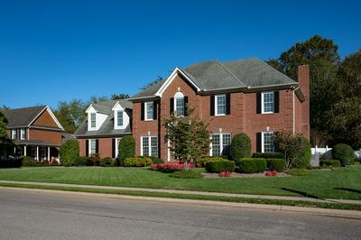 2810 SAINT JOHNS DR, Murfreesboro, TN 37129 - Photo 2