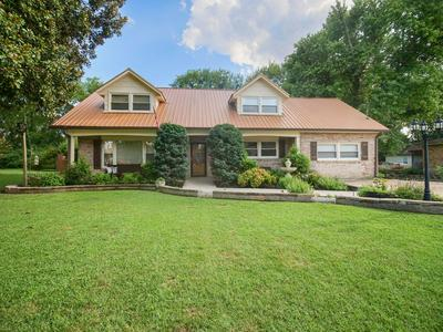 110 COLONIAL DR, Hendersonville, TN 37075 - Photo 1