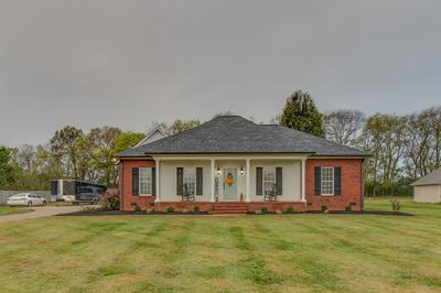 2350 WESTGATE CT, Columbia, TN 38401 - Photo 2