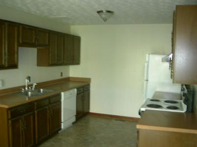 2612 S CHANCERY ST APT B5, McMinnville, TN 37110 - Photo 2