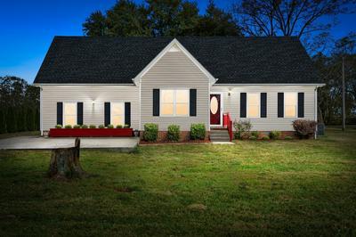 487 PORT ROYAL RD, Clarksville, TN 37040 - Photo 2
