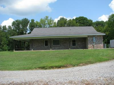 598 HAPPY VALLEY RD, Bell Buckle, TN 37020 - Photo 2