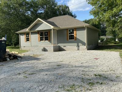 408 DAVIS RD, Tullahoma, TN 37388 - Photo 1