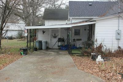 401 COLLEGE ST, Petersburg, TN 37144 - Photo 2