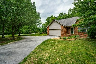 526 BENT TREE RD, Monterey, TN 38574 - Photo 2