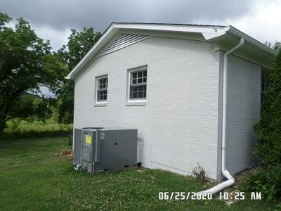 2209 TROTWOOD DR, Pulaski, TN 38478 - Photo 2