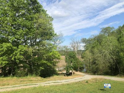 1555 GARRISON BRANCH RD # B, Cottontown, TN 37048 - Photo 2