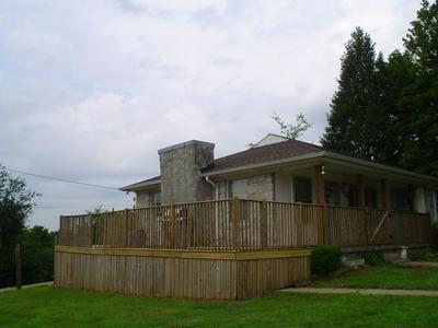 4183 BLEDSOE ST, Westmoreland, TN 37186 - Photo 2