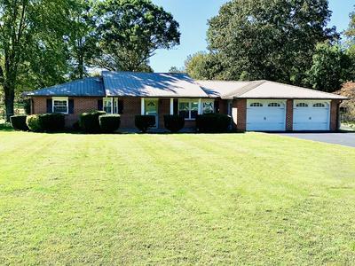 381 NEWT VANATTIA RD, Hillsboro, TN 37342 - Photo 2