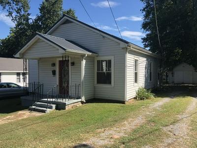 710 N HIGH ST, Winchester, TN 37398 - Photo 2