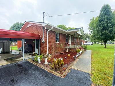 236 GREEN ACRES DR, Smithville, TN 37166 - Photo 2