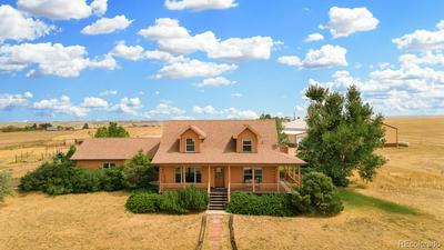 1090 S QUAIL RUN RD, Watkins, CO 80137 - Photo 2