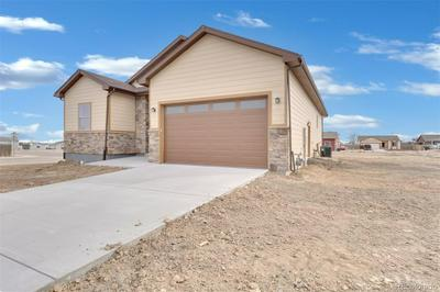 140 JOHNSON CIR, KEENESBURG, CO 80643 - Photo 2