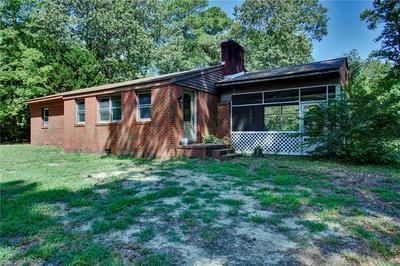 1742 AZALEA POINT RD, Gloucester Point, VA 23062 - Photo 1