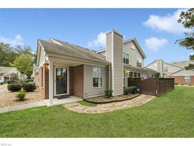 854 MILLER CREEK LN, Newport News, VA 23602 - Photo 1