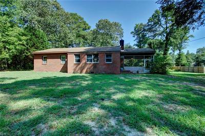 1742 AZALEA POINT RD, Gloucester Point, VA 23062 - Photo 2