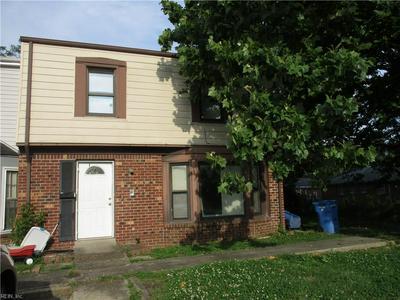 915 HARBOUR NORTH DR, Chesapeake, VA 23320 - Photo 2