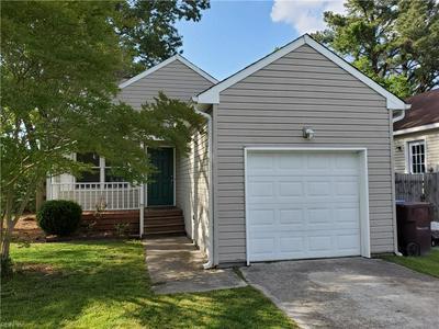 740 LUTHER ST, Chesapeake, VA 23322 - Photo 2