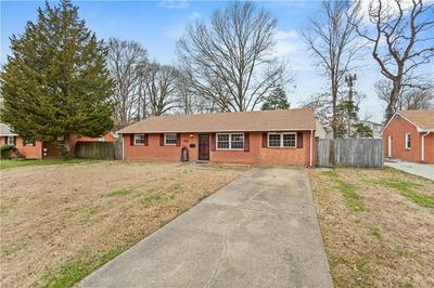 144 ALEXANDER DR, Newport News, VA 23602 - Photo 2