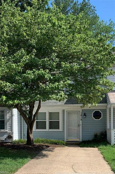 1819 CARROLLWOOD CMN, Chesapeake, VA 23320 - Photo 1