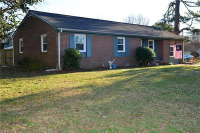 202 HAHN PL, Newport News, VA 23602 - Photo 2