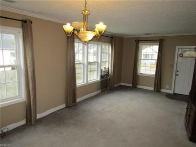 40 SYCAMORE AVE, Newport News, VA 23607 - Photo 2