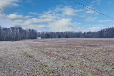 5541 FARMERS DR, New Kent County, VA 23011 - Photo 2