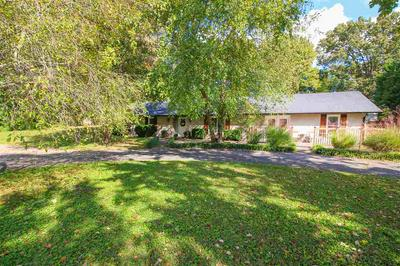 8202 CEMETERY RD, Bowling Green, KY 42103 - Photo 2