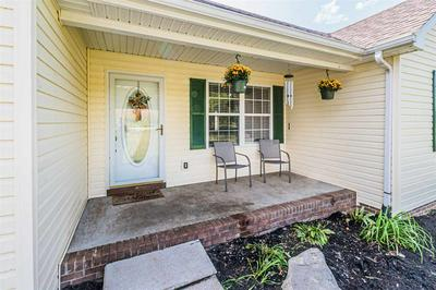 8518 BOWLING GREEN RD, Morgantown, KY 42261 - Photo 2