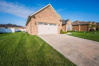 517 MCCOY PLACE DR, Bowling Green, KY 42104 - Photo 2